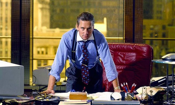投資銀行を経営するマイケル・ダグラス